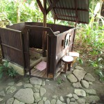 Detached bathroom at the Tortuga Negra Lodge treehouses